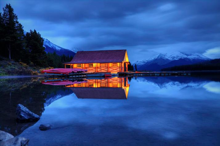 maligne-lake-boat-house-before-dawn-dan-jurak