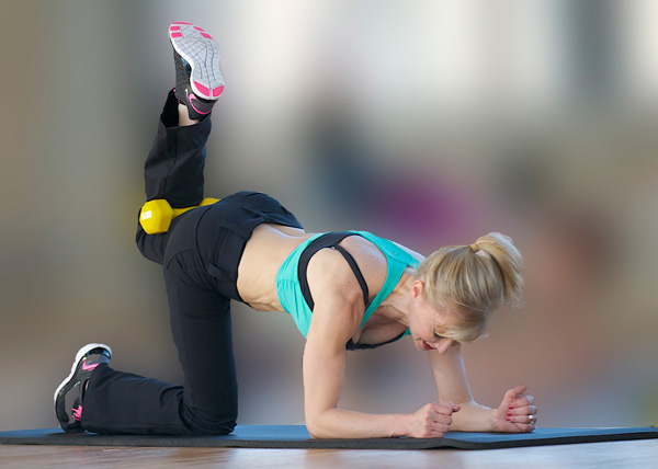 great-glutes-get-a-tight-tush-in-10-minutes-quadraped-2